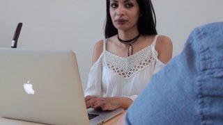 Jolie dame française sodomisée par le plombier